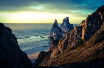 Praia de Ursa, a magical beach within walking distance